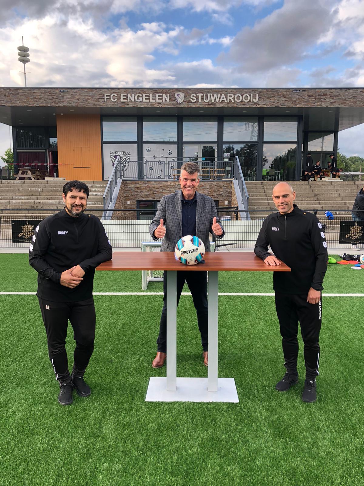 Trainers eerste en tweede elftal verlengen contract bij FC Engelen